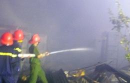 Cháy chợ Thới Bình: Tiểu thương được hỗ trợ 10 triệu đồng