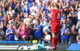Được CĐV Chelsea vỗ tay tri ân, Gerrard vẫn bức xúc