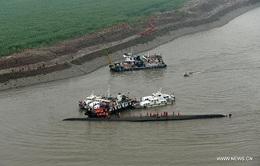 Lật tàu trên sông Trường Giang: Công tác cứu hộ khó khăn