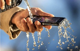 Bạn có thực sự cần một chiếc điện thoại chịu nước?