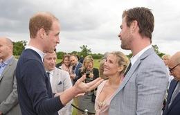 Tài tử phim Thor gặp gỡ Hoàng tử Anh