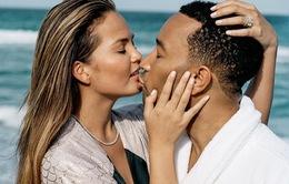 John Legend và vợ lãng mạn trên bìa tạp chí