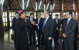 Đồng chí Nguyễn Thiện Nhân thăm và chúc mừng Giáng sinh tại Tòa Giám mục Buôn Ma Thuột