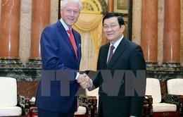 Chủ tịch nước gặp cựu Tổng thống Mỹ Bill Clinton