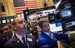 Chứng khoán Mỹ giảm mạnh sau khi Fed tăng lãi suất