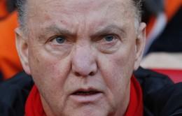 Man Utd không nên sa thải HLV Van Gaal nếu kết thúc ngoài top 4