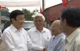 Chủ tịch nước thăm Bảo tàng các chiến sỹ bị địch bắt tù đày