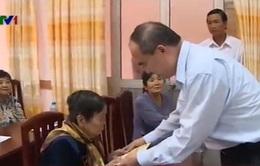 Đồng chí Nguyễn Thiện Nhân thăm mô hình nông thôn mới tại Hậu Giang