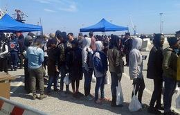 Lật thuyền ngoài khơi Lybia, 400 người có thể đã thiệt mạng