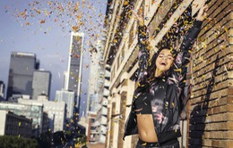 Selena Gomez trẻ trung với BST Adidas NEO