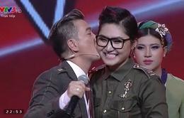 Bán kết Giọng hát Việt 2015: Đàm Vĩnh Hưng hôn tạm biệt Vicky Nhung
