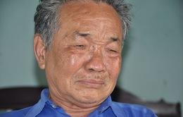 Đắng cay cha già cho con ăn cơm pha với thuốc ngủ