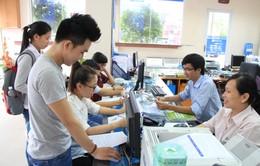 Nhiều thí sinh tỉnh xa về Thủ đô đăng ký xét tuyển đại học