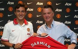Man Utd chính thức ra mắt tân binh Darmian