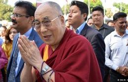 Đức Đạt Lai Lạt Ma: 'Đừng cầu nguyện Chúa, Phật giải quyết vấn đề con người gây ra'