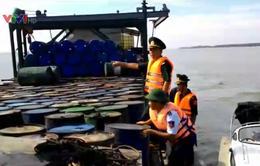 Bắt vụ vận chuyển 19.000 lít dầu nhớt không rõ nguồn gốc