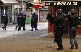 Đấu súng ác liệt giữa cảnh sát và nghi phạm khủng bố ở Paris