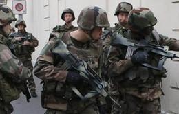 Người dân Pháp bàng hoàng trước vụ đấu súng ở Paris