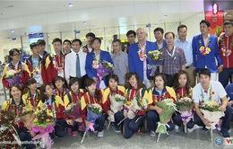 Xúc động ngày trở về của ĐT đấu kiếm Việt Nam sau SEA Games 28