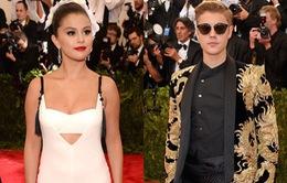 Selena tránh mặt Justin tại Met Gala 2015