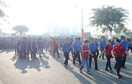 """5.000 thanh niên đi bộ gây quỹ """"Tiếp sức đến trường"""""""