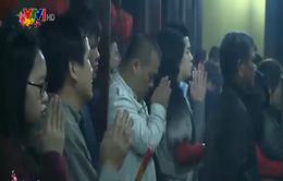 Giới trẻ Hà thành nô nức đi lễ chùa đầu năm