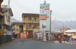 Sierra Leone: Người dân được khuyến cáo ở nhàđể chấm dứt dịch Ebola