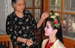 Phong tặng danh hiệu NSND: Chuyện buồn của làng Chèo