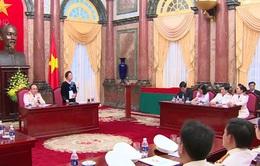 Phó Chủ tịch nước gặp mặt điển hình tiên tiến Công an nhân dân
