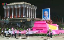 Hơn 30.000 người diễu binh, diễu hành kỷ niệm 70 năm Quốc khánh