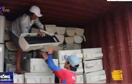 TP.HCM: Bắt giữ 3 container hàng cấm nhập khẩu