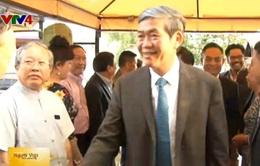 Ông Đinh Thế Huynh gặp mặt cộng đồng người Việt tại Đức