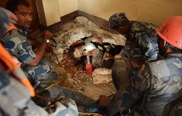 Động đất tại Nepal: Cứu sống một phụ nữ sau 50 giờ bị mắc kẹt