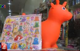 Phát hiện hóa chất độc hại trong miếng dán đồ chơi