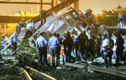 Mỹ:Trật đường ray tàu hỏa tại Philadelphia