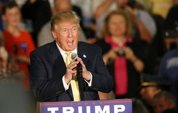 """Tỷ phú Donald Trump kêu gọi """"cấm cửa"""" người Hồi giáo vào Mỹ"""