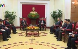 Đồng chí Đinh Thế Huynh tiếp Đại sứ Lào