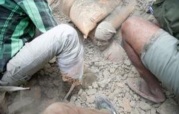Động đất kinh hoàng ở Nepal: Số người thiệt mạng lên tới 1.832