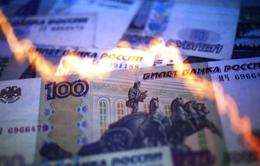 Đồng Ruble tiếp tục giảm giá