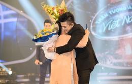 Trọng Hiếu lên ngôi quán quân Vietnam Idol 2015