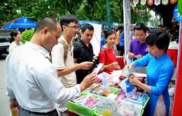 Hội chợ Sách quốc tế 2015 thu hút đông đảo bạn đọc trẻ