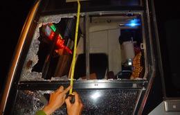 Vụ ném đá lên xe khách ở Gia Lai: 3 đối tượng ra đầu thú