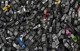 Khai thác vàng từ… điện thoại di động cũ