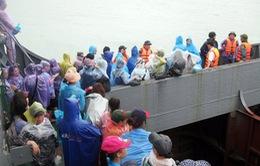 Toàn bộ du khách mắc kẹt ở Cô Tô về đất liền an toàn
