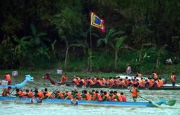 Sôi nổi hội đua thuyền truyền thống sông Đà Rằng