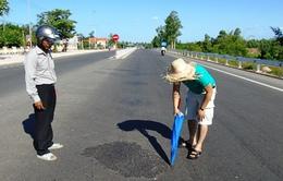 Quảng Bình: Lộ diện nghi can rải hóa chất ra đường