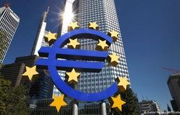 ECB hạ lãi suất tiền gửi xuống -0,3%