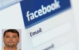 Bị truy nã vẫn tự tin check-in trên Facebook thách đố