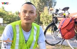 Chàng trai đạp xe từ Bắc vào Nam dọn rác không công