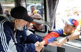 Lãnh tụ Fidel Castro lần đầu xuất hiện sau 14 tháng